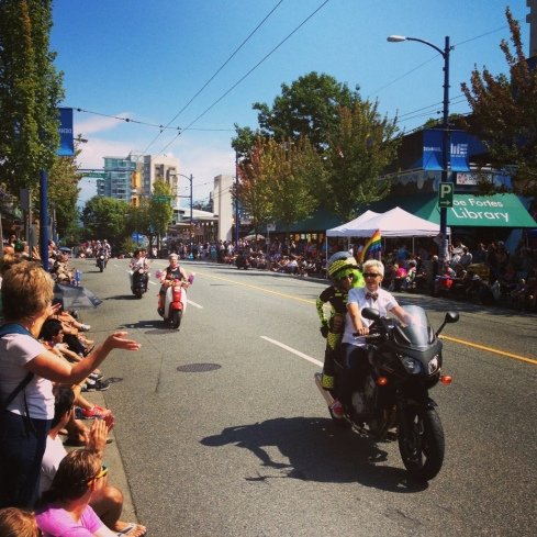 Dykes on Bikes Kick off the Parade!