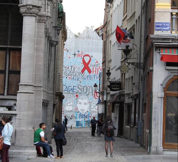 AIDS Ribbon Mural in Brussels (September 2013)