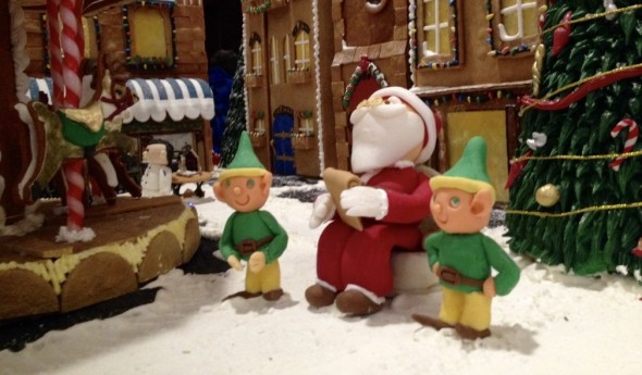 Marzipan Santa, Gingerbread Lane 2015